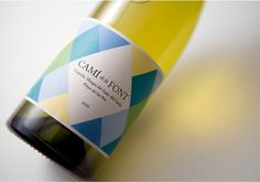 Txell Grà cia / Camí de la Font #font #geometry #bottle #packaging #de #label #wine #gracia #la #cami #txell #typography