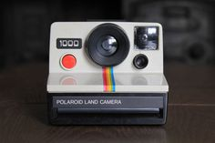 Polaroid 1000 (red button) #camera #polaroid #cameraporn #boot #sale #car