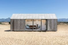 Portable home by ÁBATON #concrete #architecture