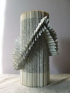 20 Cool Book Sculptures for Inspiration #sculptures #book #art