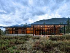 The Ranchero - Mazama Modern Cabin / CAST Architecture