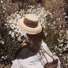 Sunday 🌿🌿 #inspo #fashionphotography #fashion #rosemilknostalgia #inspoboard