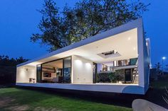 Tropical Eco-Friendly House by Alberto Zavala Arquitectos