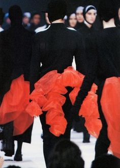 hrstudioplus #fashion #week #red #black