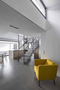 Yard House in Valencia by Alberto Facundo Arquitectura 2