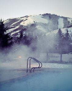 3384265329_561631e471.jpg (400×500) #pool #photography #mountains #cool