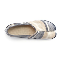 The Espadrille-Style Tabi Shoes combines the split-toe design and non-slip sole of a Jikatabi with the lightness and flexibility of an espadrille. It features an upper made of traditionally woven cotton canvas and a soft cotton insole that creates a barefoot feeling. It's also foldable, washable, and quick-drying. Perfect shoes for long walks, running errands, and traveling!