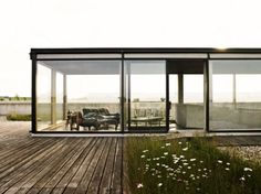 FFFFOUND! | tumblr_ljvt3l5Uhf1qzgf8eo1_500.jpg 500 × 373 Pixel #glass #architecture #facades
