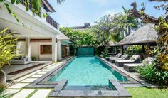 Designed as a holiday home for the owners themselves, this 4-bedroom villa has an wonderfully central location in Seminyak. Book with Villa Getaways.