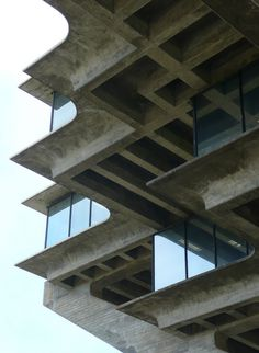 CA UCSD Geisel Library Edgesphoto :Â army.arch #concrete #building #architecture #windows