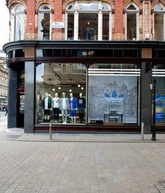Leeds Cityscape for Adidas, briefed by Studio Juice on Behance, by rooftop illustrations [Photo courtesy of Studio Juice] #drawings #adidas #display #opening #store #illustration #leeds #studio #juice #window #changing #room #new