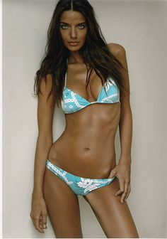 Nadine Schreiner #bikini #model #photograph #beauty