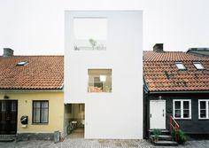 1.jpg (520×370) #sweden #white #elding #architecture #minimal #townhouse #oscarson
