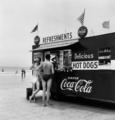 everyday_i_show: photos by Berenice Abbott #abbott #berenice #photography #beach #bw #refreshments