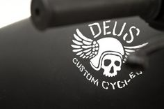 Custom Kawasaki W650 by Deus Ex Machina #deus