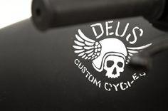 Custom Kawasaki W650 by Deus Ex Machina