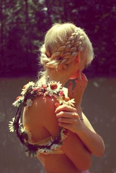 Google Image Result for http://26.media.tumblr.com/tumblr_l3f4h99iOt1qaemnco1_500.jpg #bohemian #girl #blonde #flowers #braids