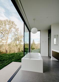 bathroom, California / Dowling Studios
