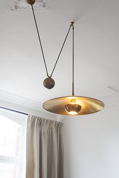 counter-weight suggests its height adjustable #hook #pendant #light #ceiling