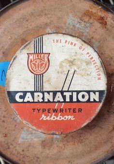 Type Hunting #carnation #logo