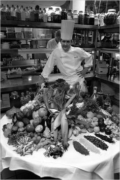 Trotter-1-popup.jpg (JPEG Image, 333x500 pixels) #white #charlie #trotter #food #black #photography #kitchen #chef #and