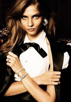 Sara Lindholm - jardin-de-moda: Anna Selezneva/Vogue Paris #paris #vouge #photography #fashion #selezneva #anna