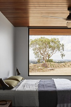 bedroom, Off-Grid Retreat / Ben Callery Architects