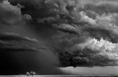 mitchdobrowner_32324432_large.jpg 650×430 pixels #photo #rain #storm #dramatic #light