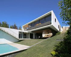 Beautiful Home in Chile With Panoramic View Over the City 1