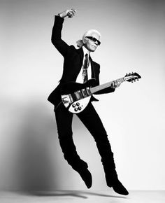 Karl Lagerfeld | Shiro to Kuro #guitar #karl #white #black #photography #and #fashion #lagerfeld