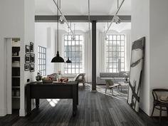 Lotta Agaton: Läderfabriken