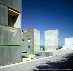 MGM arquitectos — Viviendas en el Monte Hacho — Immagine 7 di 10 — Europaconcorsi #concrete #architecture #facades