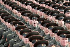 soldier yawning perfect timing #pattern #formation #soldier #repeat #step #yawn #and