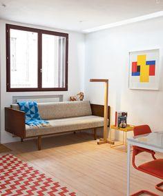 2 voss street living room