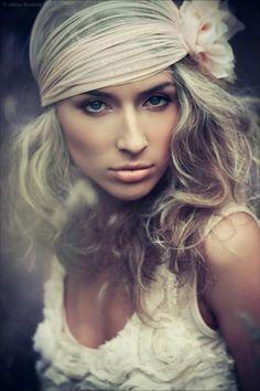 Photography by Alina Troev   Cuded #female #girl #photograhpy