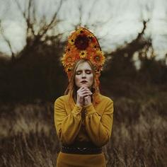 📸Photographer: Agata Rzeszutko @minimalizmkontrolowany 🎀Model: Emilia Majdra @emiliamajdra 📌Follow: @portraitistnet 🔖Tag: #portraitistnet https://www.instagram.com/p/BrRNWCjjogp/?utm_source=ig_tumblr_share&igshid=ipwe295f0qh4