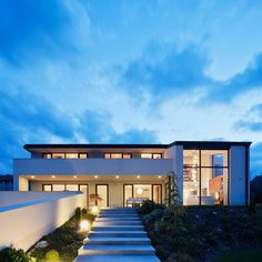 Imposing Family Abode in Suburban Budapest : Sommelier's Home #architecture #budapest