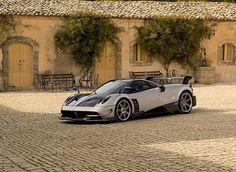 The $2.5 Million Pagani Huayra BC Supercar 7️⃣5️⃣0️⃣ BHP 6.0 AMG V12  #Pagani #HuayraBC #PaganiHuayraBC #Supercar @paganiautomob