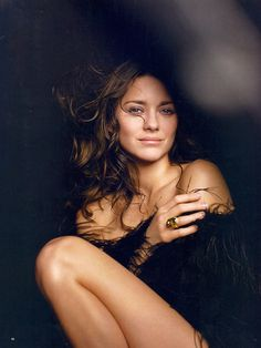 Marion Cotillard #marion #woman #beautful #cottilard #hair #jewlery #ring #love