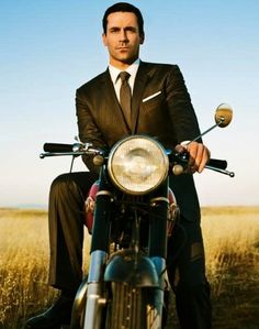 Qué guapo! #photography #motorcycle #color #mad men #jon hamm