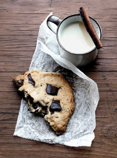 Image Spark Image tagged #snack #cookie #food #milk #biscuit