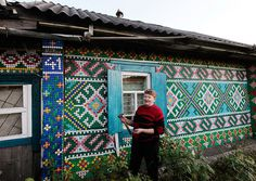 30,000 bottle caps decorate russian pensioner's home