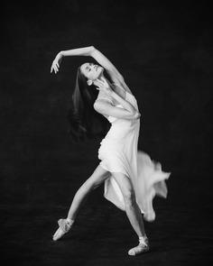 Breathtaking and Elegant Portraits of Ballet Dancers by Karolina Kuras