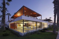 Box-Like Beach House Near Lima, Peru by Martin Dulanto Arquitecto #architecture #modern