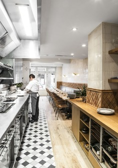 Fashion's Favorite Restaurant in Paris: Clover on the Left Bank - Remodelista