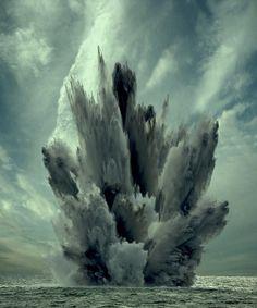 tumblr_mg0qds3Zeo1qetnlco1_500.jpg (500×600) #explosion #water