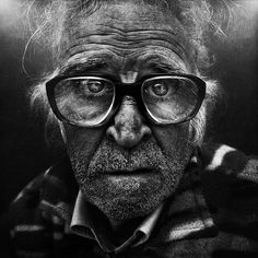 Lee Jeffries Photography – Fubiz™ #glasses #homeless