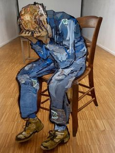 waaaat? | Portraits Made With Anamorphosis Installations | Design