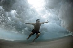Bajo el agua #mark #water #tipple #photo #photography #art #underwater