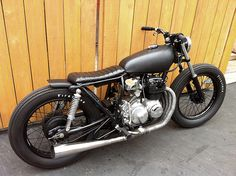 Cafe Racer Special: Honda CB400 BratStyle #motorcycle #bratstyle